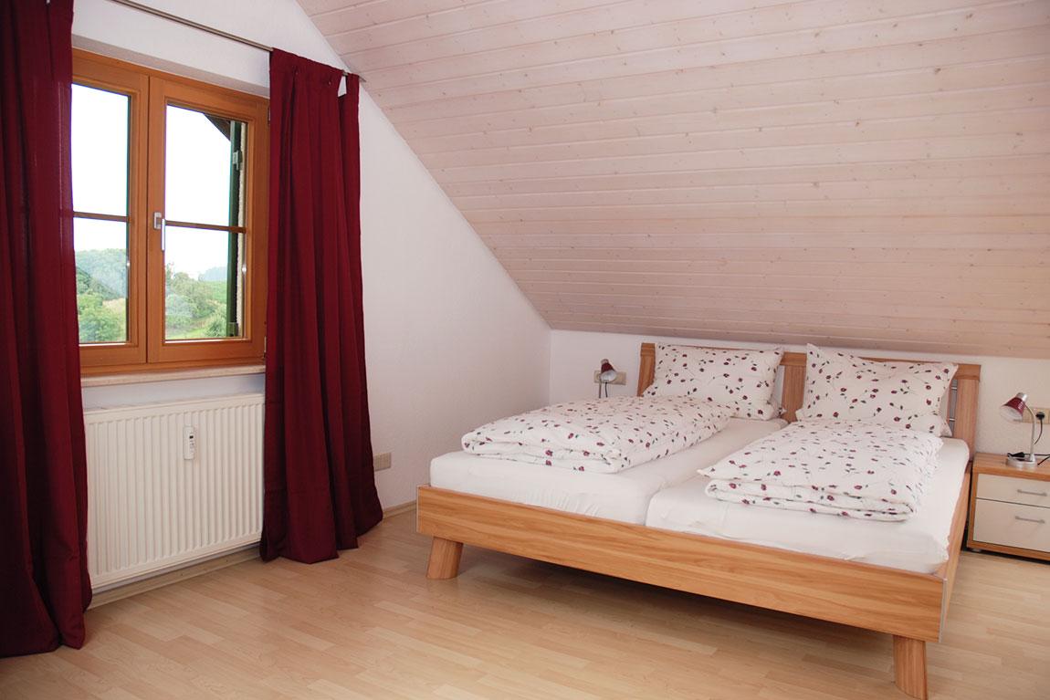schlafzimmer2_adlerhorst_haus-sonnenschein