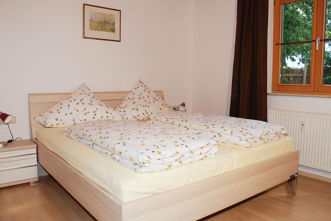 schlafzimmer3_adlerhorst_haus-sonnenschein