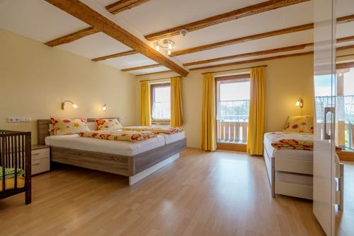 schlafzimmer2_bauernstueble_haus-sonnenschein