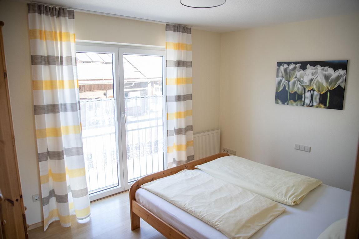 2020-05-schlafzimmer1_sonnenstueble_haus-sonnenschein
