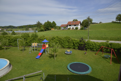 spielplatz1_spiel-spass_haus-sonnenschein